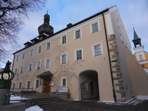 Neukirchen_Heiligen_Blut_Pflegeschloss_luckyprof